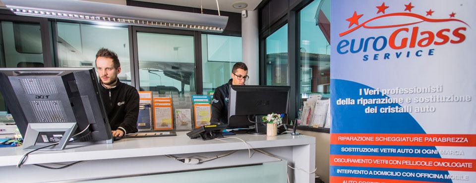 Gestione pratiche assicurative e riparazione vetri